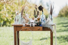 eclectic table decor