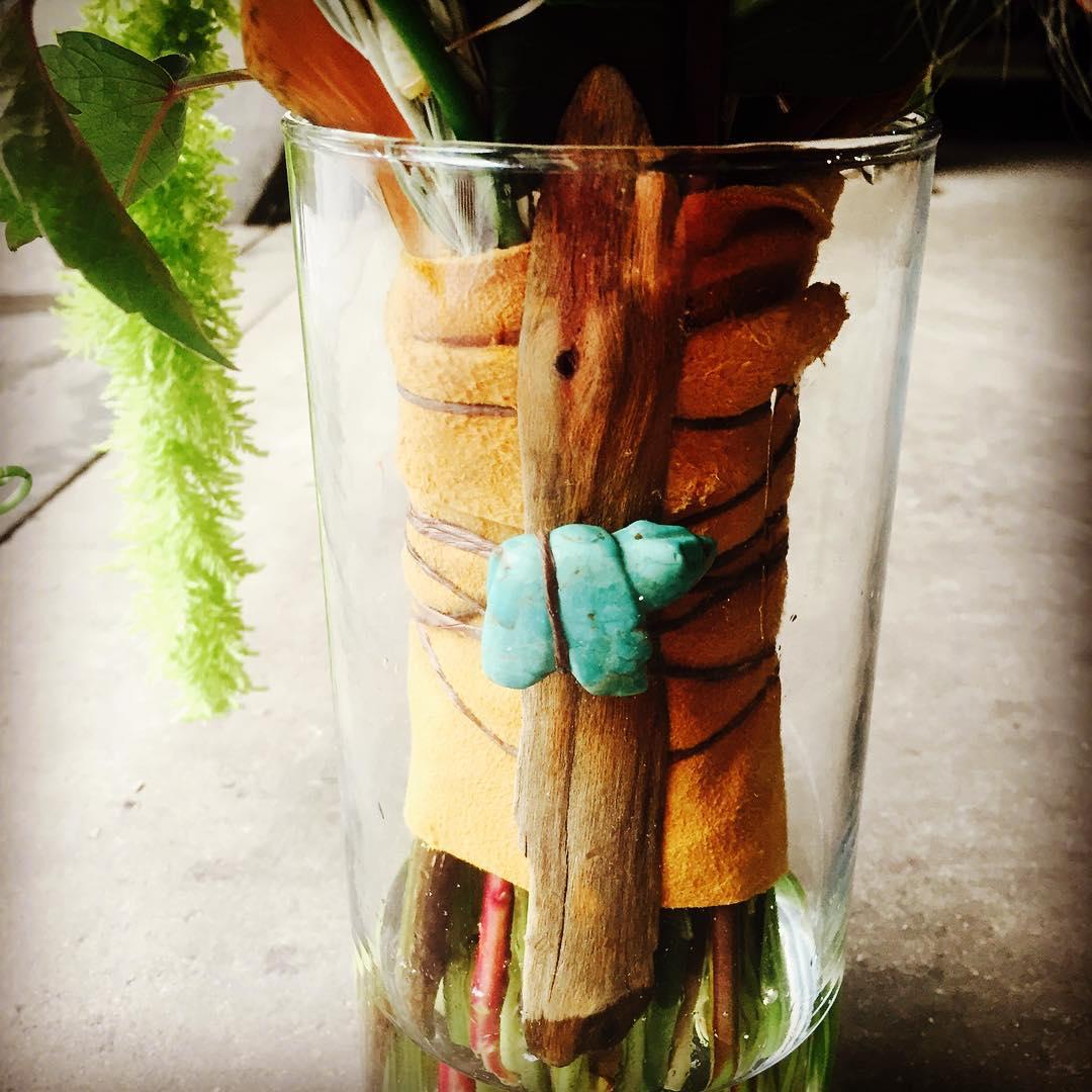 Shea's Boho bouquet handle of suede, driftwood & turquoise ❤️ #bohobride #lotuswedding #organicbride #mybridegotstyle #weddingstyle