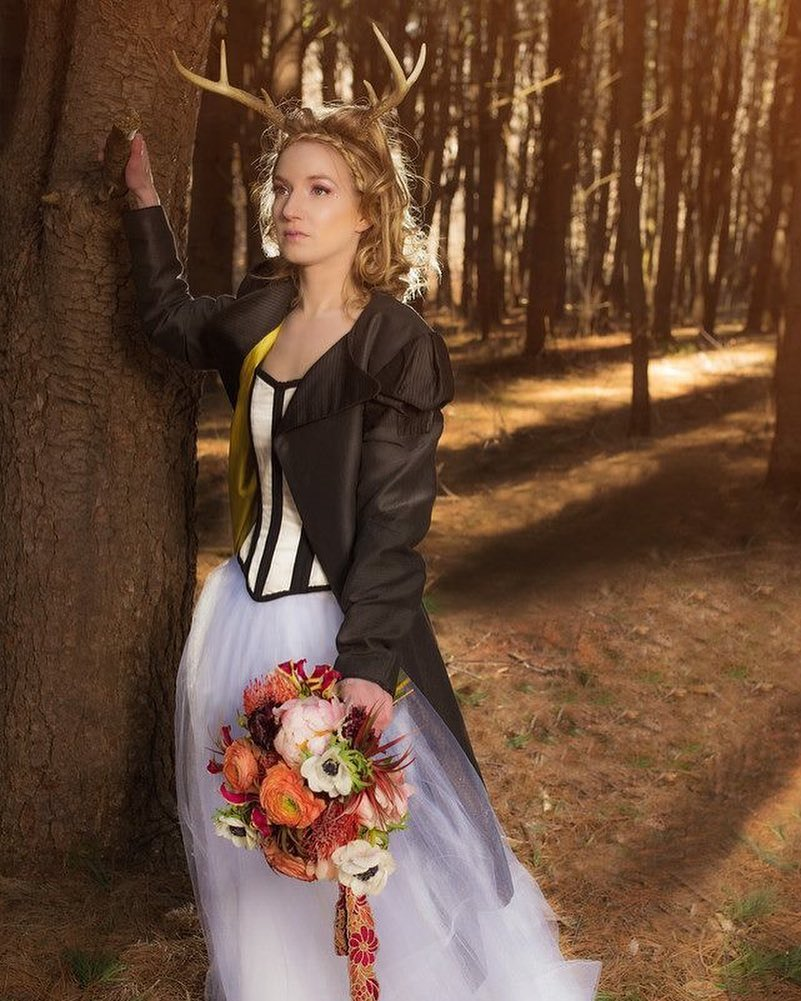 {woodland couture} @vannakphotography  #junidress #woodlandgoddess #photoshoot #forest #lighting #midsummernightdream