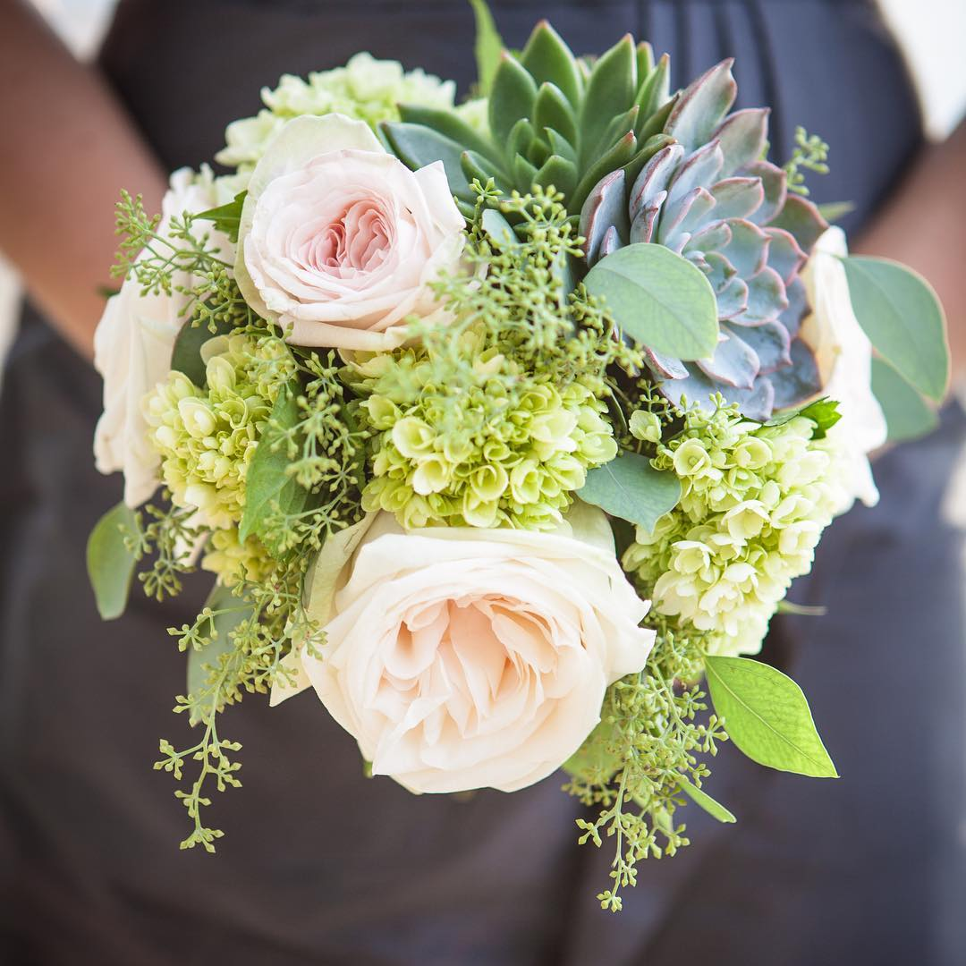 {bridesmaid} @cornerstone_photography_agency  #lotusfloraldesigns #nhweddings #bridesmaids #bouquet #succulents #gardenroses #lovely #nhweddingflorist #simple #innonnewfoundlake #theknot