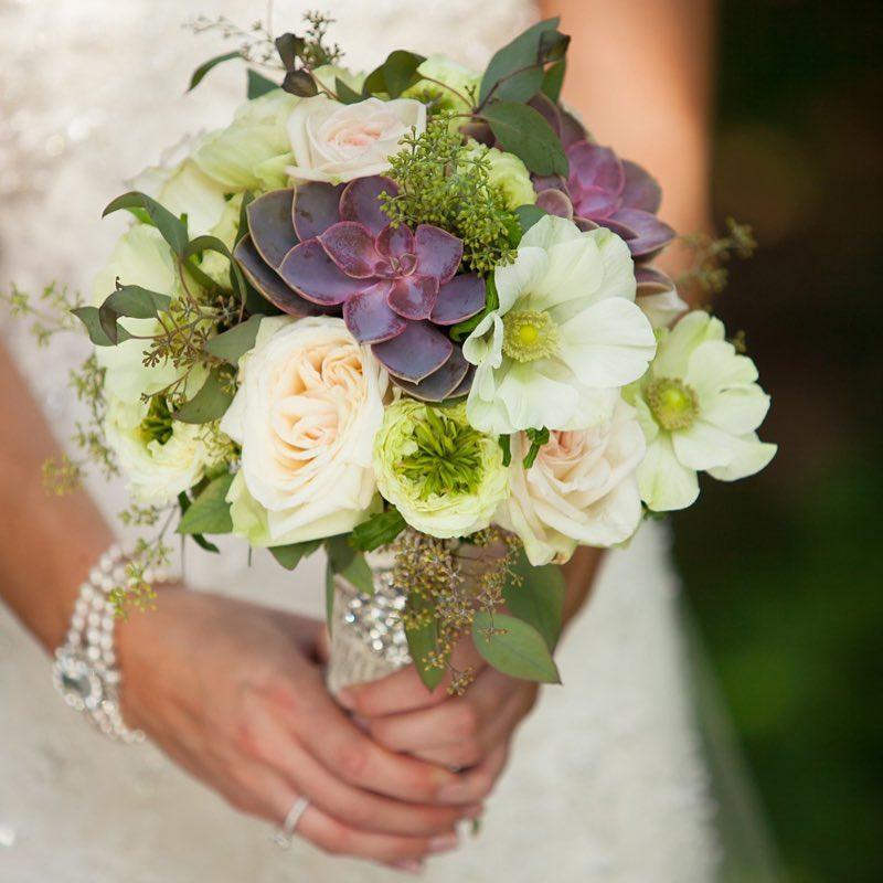 {pretty} @cornerstone_photography_agency  #vintage #elegant #succulents #innonnewfoundlake #lovely #barnwedding #anemones #gardenroses #bouquet #broach #lotusfloraldesigns #weddingflorist #weddingflowers #theknot #weddingwire