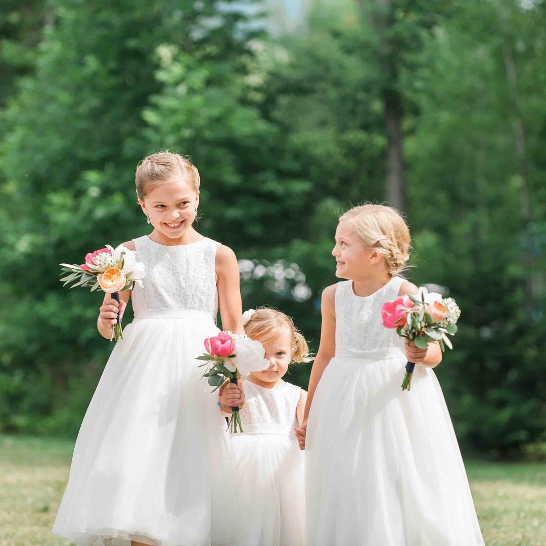 {flower babes} @nicolemontmarquetphotography  #flowergirls #cutiepies #adorable #weddingflorist #bouquets #lotusfloraldesigns #precious