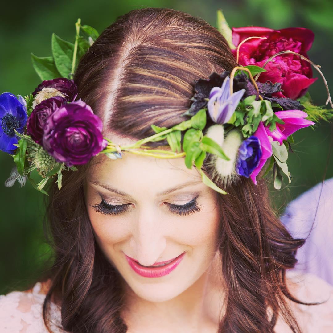 {bride decor} @sagestudiosphotography  #flowercrown #bridebling #bohostyle #jeweltones #bohobride #bohochic #hairflowers #hercrown #prettylady #lotusfloraldesigns #lotusstyle #weddingflorist