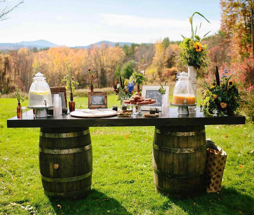 {cider station…yum} photo | @zacxwolf  #welcomestation #ciderdonuts #refreshments #rusticstyle #barnwedding #fallwedding #lotusfloraldesigns #weddingflorist #nofilter