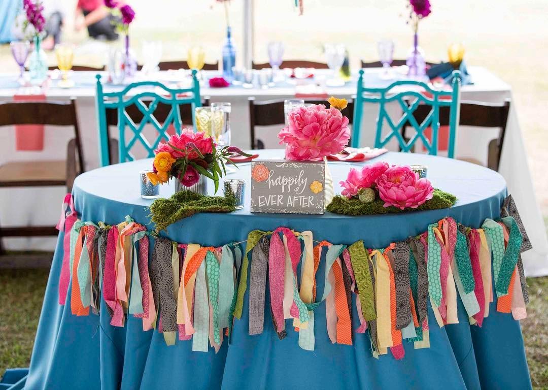 {sweethearts} photo | @alisonmariephotography  #sweethearttable #brideandgroom #tablefortwo #bohowedding #shabbychic #lovethis #bridebook #weddingflorist #lotusfloraldesigns #getcreative
