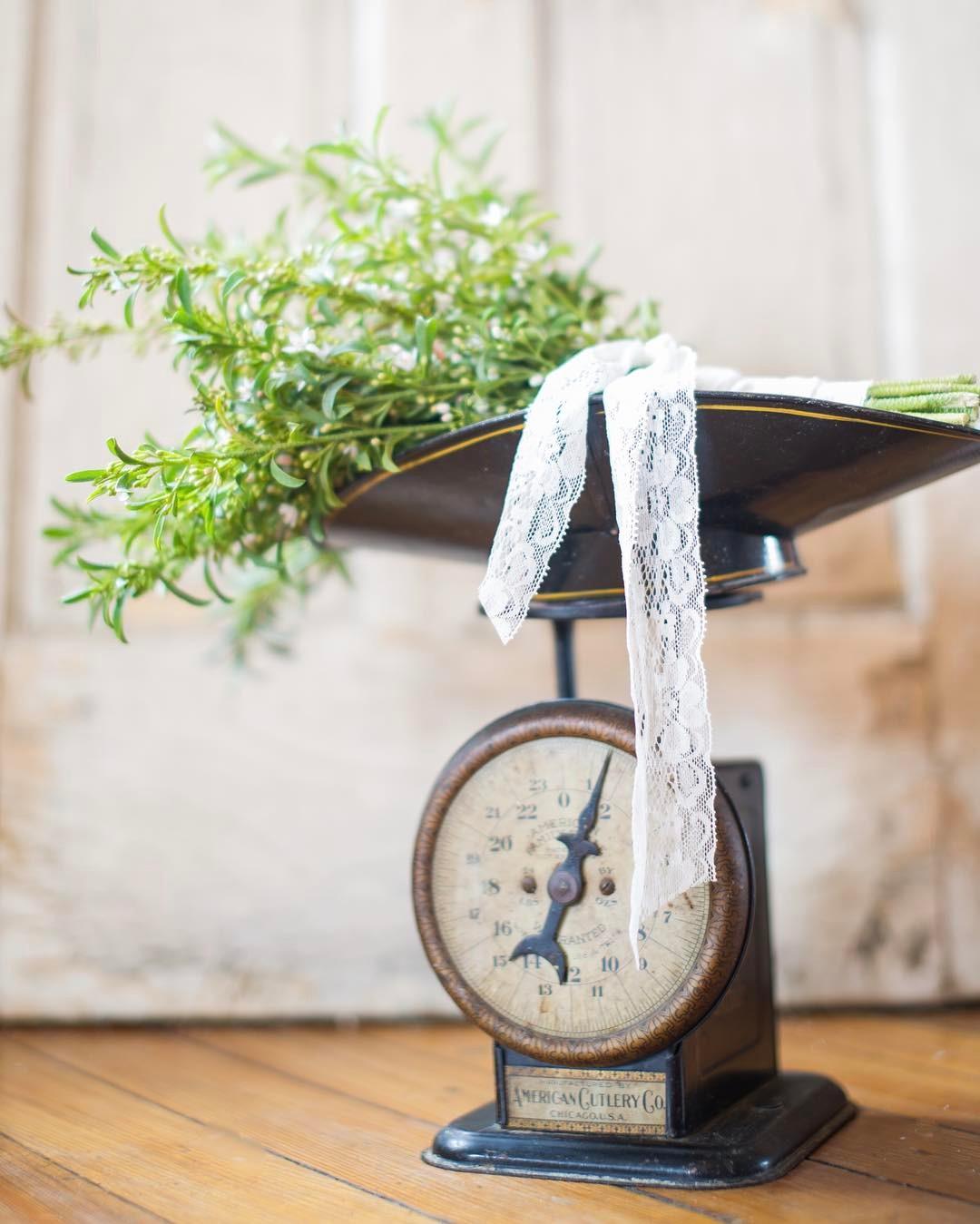 {simple} photo | @simpell_photo_design  #vintage #simple #bouquet #greenery #photoshoot #lotusfloraldesigns #flowerart