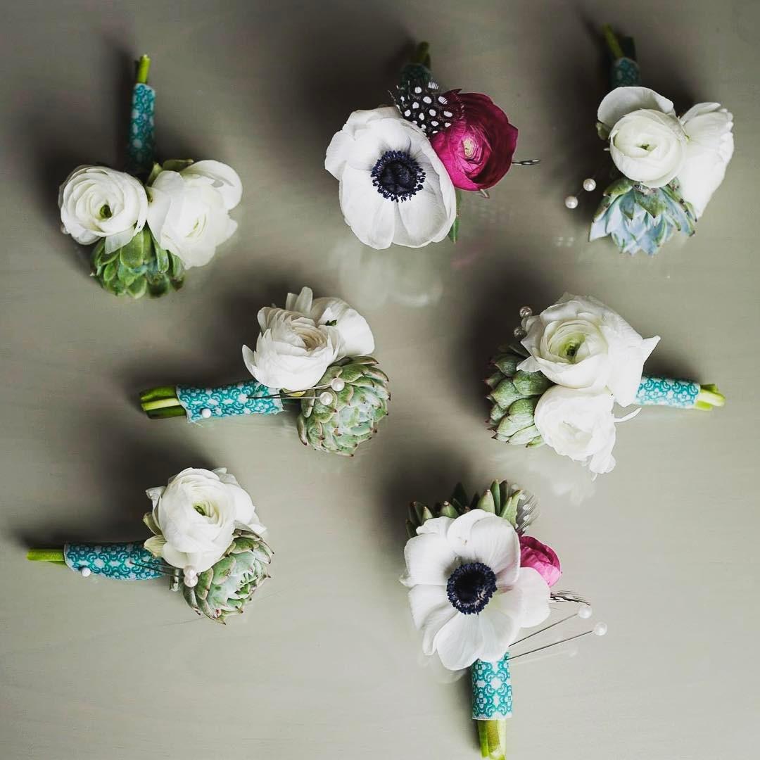 {man fleurs} photo | @violetmarsh  #mandecor #manbling #slick #handsome #boutonniere #manflowers #fortheguys #anemone #ranunulus #succulents #vintage #lotusfloraldesigns #lotusstyle #weddingflorist