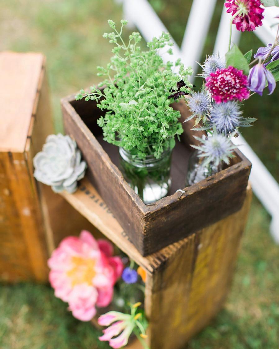 {aisle bling} photo | @monpetitstudio  #vintage #rusticdecor #wildflowers #ceremony #simple #lotusfloraldesigns #weddingflorist