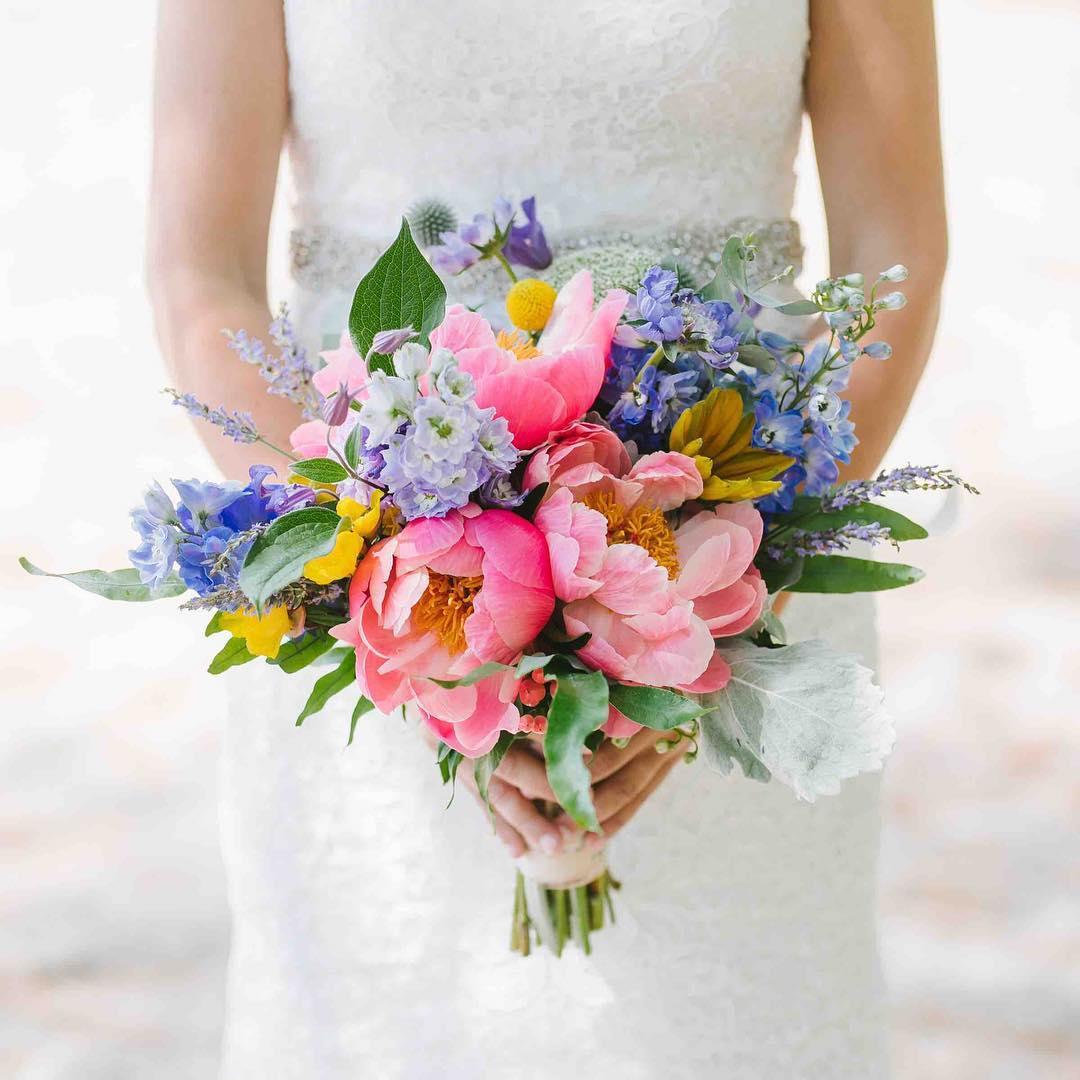 {this} photo | @emilytebbetts  #amazeballs #bouquet #coral #pastels #gardenparty #barnwedding #lakeside #lovethesegirls #twokatesnh #innonnewfoundlake #lotusfloraldesigns #weloveflowers
