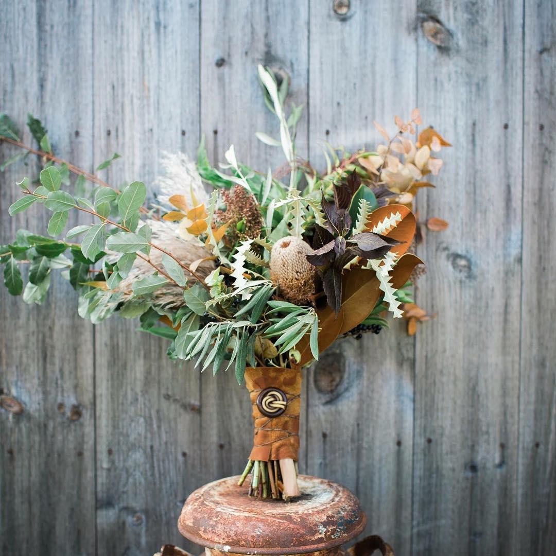 {hello fall} photo | @abphotonh  #fall #fallbouquet #rustic #rusticwedding #barnwedding #natural #lotusfloraldesigns #ilovenh #lockefallsfarm