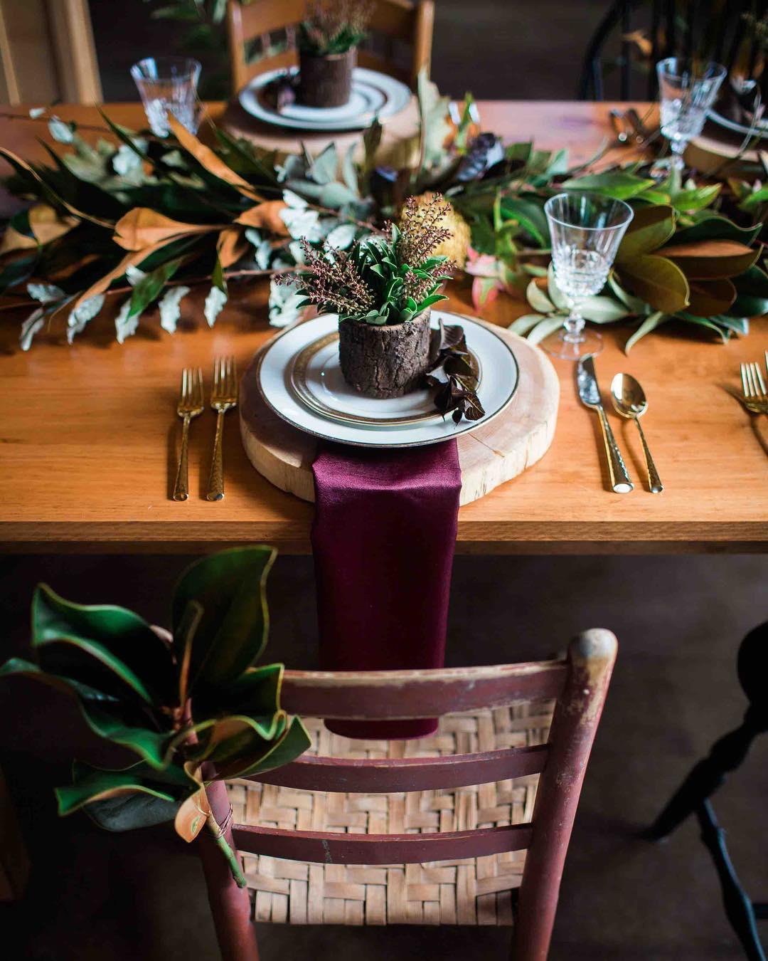 {rustic} photo | @abphotonh  #rustic #barnwedding #rusticwedding #nhwedding #natural #greenery #tablescape #placesetting #lotusfloraldesigns #weddingflorist #photoshoot