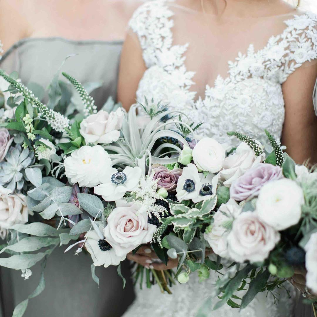 {swoon} photo | @jharperphoto . . . #bride #bridesmaids #lovelies #thatdress #prettyflowers #bouquets #oceanside #coastofmaine #mainewedding #airplants #anemones #ranunculus #roses #eucalyptus #sage #neutrals #succulents #lotusfloraldesigns #weddingflorist