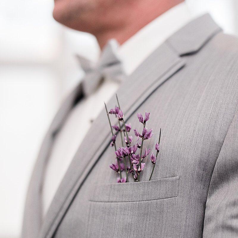 {man-decor} photo | @klenoxphotography . . . #manflowers #boutonniere #manbling #alldressedup #weddingattire #finaltouch #gettingmarried #forhim #groom #simple #lotusfloraldesigns #weddingflowers
