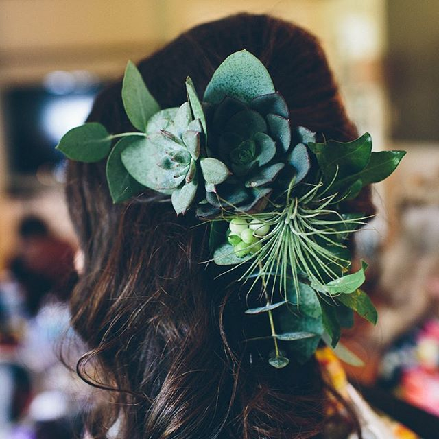 {bride bling} photo | @birchblaze . . . #bridehair #hairflowers #hairpiece #flowercomb #greenery #succulents #eucalyptus #gorgeous #prettyhair #lotusfloraldesigns #whitefacehollow #barnwedding #privateweddingsandevents #lovethis