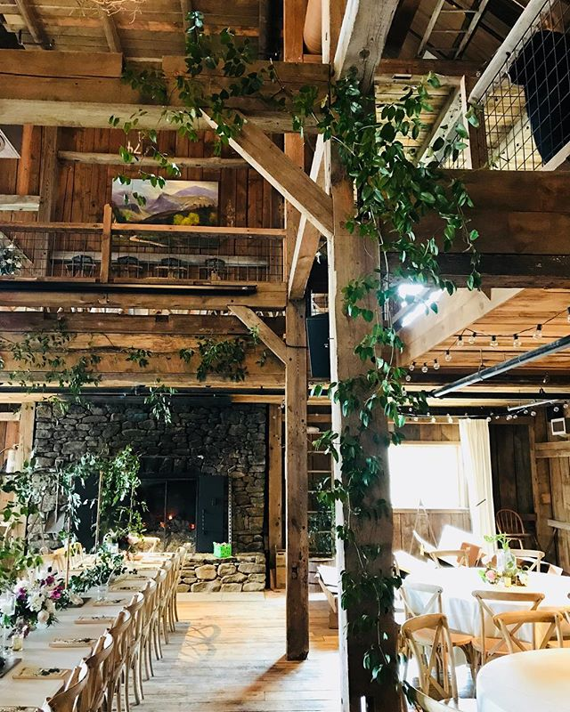 {barn love} . . . #barnonthepemi #lotusfloraldesigns #barnvenue #privateweddingsandevents #barnbling #greenery #barndecor #nhweddingvenue #weddingflowers #weddingflorist #lovely #simple #rustic #barnwedding