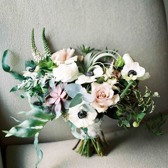 {wedding day still life} photo | @jharperphoto . . . #bouquet #stilllife #brideaccessory #portrait #closeup #brideflowers #lovely #gorgeous #seacoastwedding #maine #coastofmaine #oceanside #cliffhouse #lotusfloraldesigns #weddingflowers