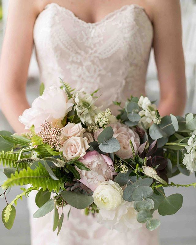 {regal} photo | @erikafollansbee . . . #bride #bouquet #romantic #sophisticated #lovely #bridalaccessory #brideflowers #lakeside #nhwedding #innonnewfoundlake  #lotusfloraldesigns #weddingflowers #love