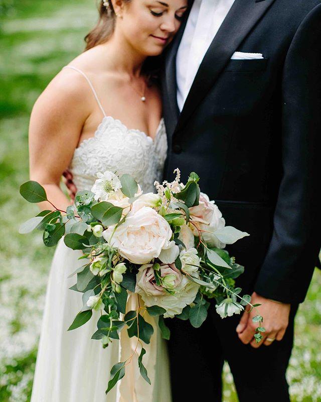 {sweetness} photo | @kpietrowski . . . #newlyweds #brideandgroom #bouquet #moment #inlove #weddingday #lovely #weddingflowers #lotusfloraldesigns #weddingflowers #nhwedding #whitemountains #love