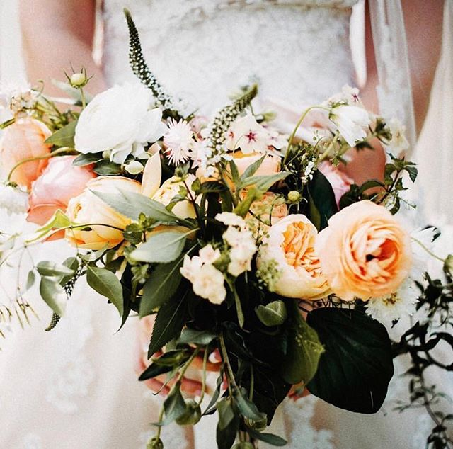 {so this happened last weekend…} . photo | @elishaorinphotography . . #bride #bouquet #lushblooms #gorgeous #peach #phlox #thedunlops #justmarried #prettyflowers #bellevuebarn #rustic #nhwedding #lotusfloraldesigns #love
