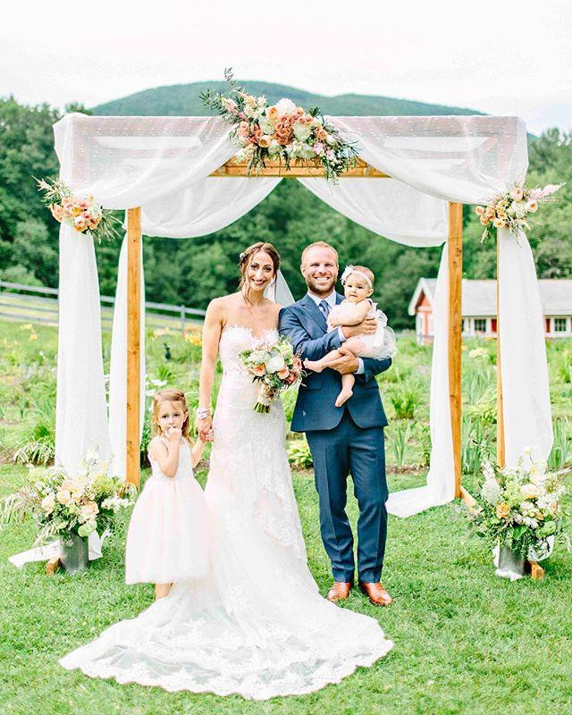 {sweet•ness} photo | @kellydillonphotography . . #adorbs #ido #husbandandwife #cuties #peach #flowers #ceremony #pretty #lotusfloraldesigns #weddingflowers #love