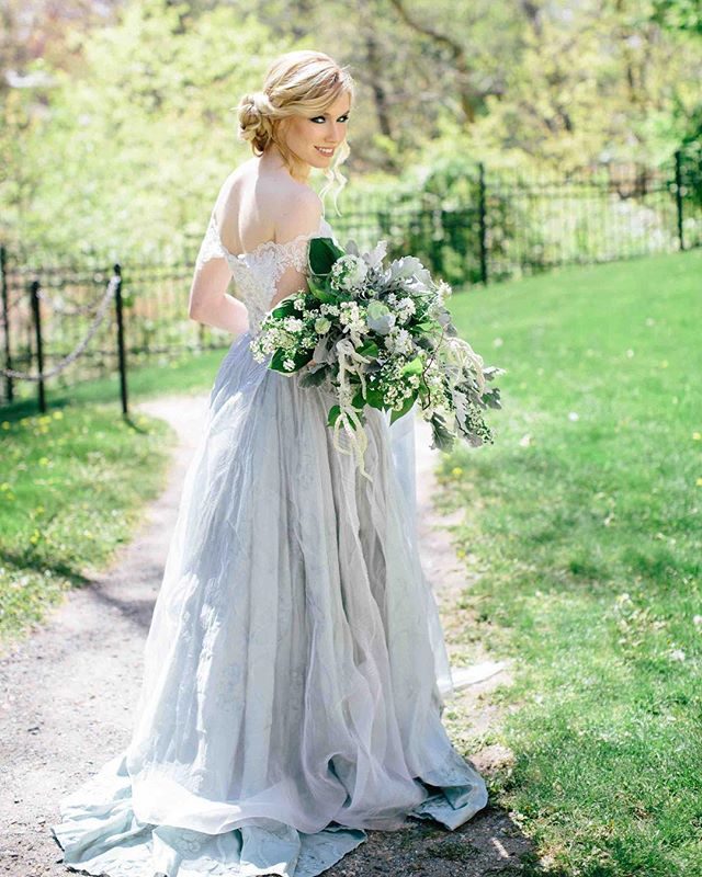 Our amazing shoot is being featured tomorrow on @weddingchicks!! ? . . @kate_preftakes @tuppermanor @lauralynbridal @autumnnomad @amrcalligraphy @blendbybridgette @hairstylesbydaniela @brynnbaby13 @peterlariv