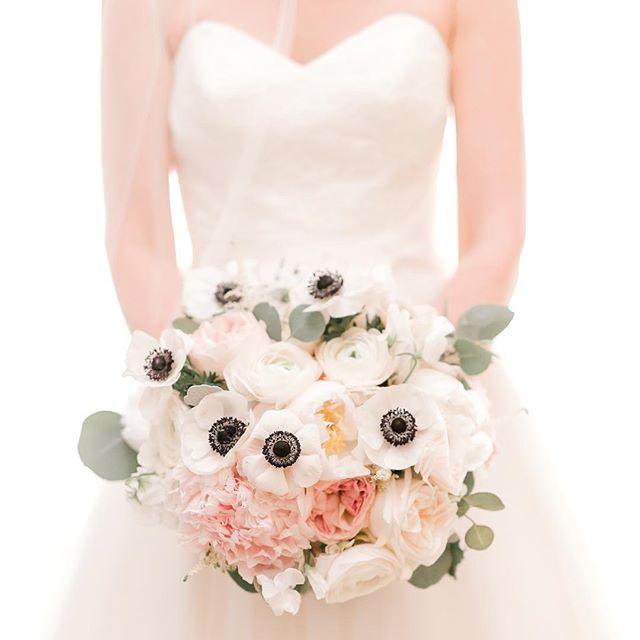 {love•ly} photo | @klenoxphotography . . #bride #bouquet #soft #romantic #lovely #prettyflowers #weddingflowers #blush #anemone #peony #ranunculus #roses #lotusfloraldesigns #nhwedding #ido #love