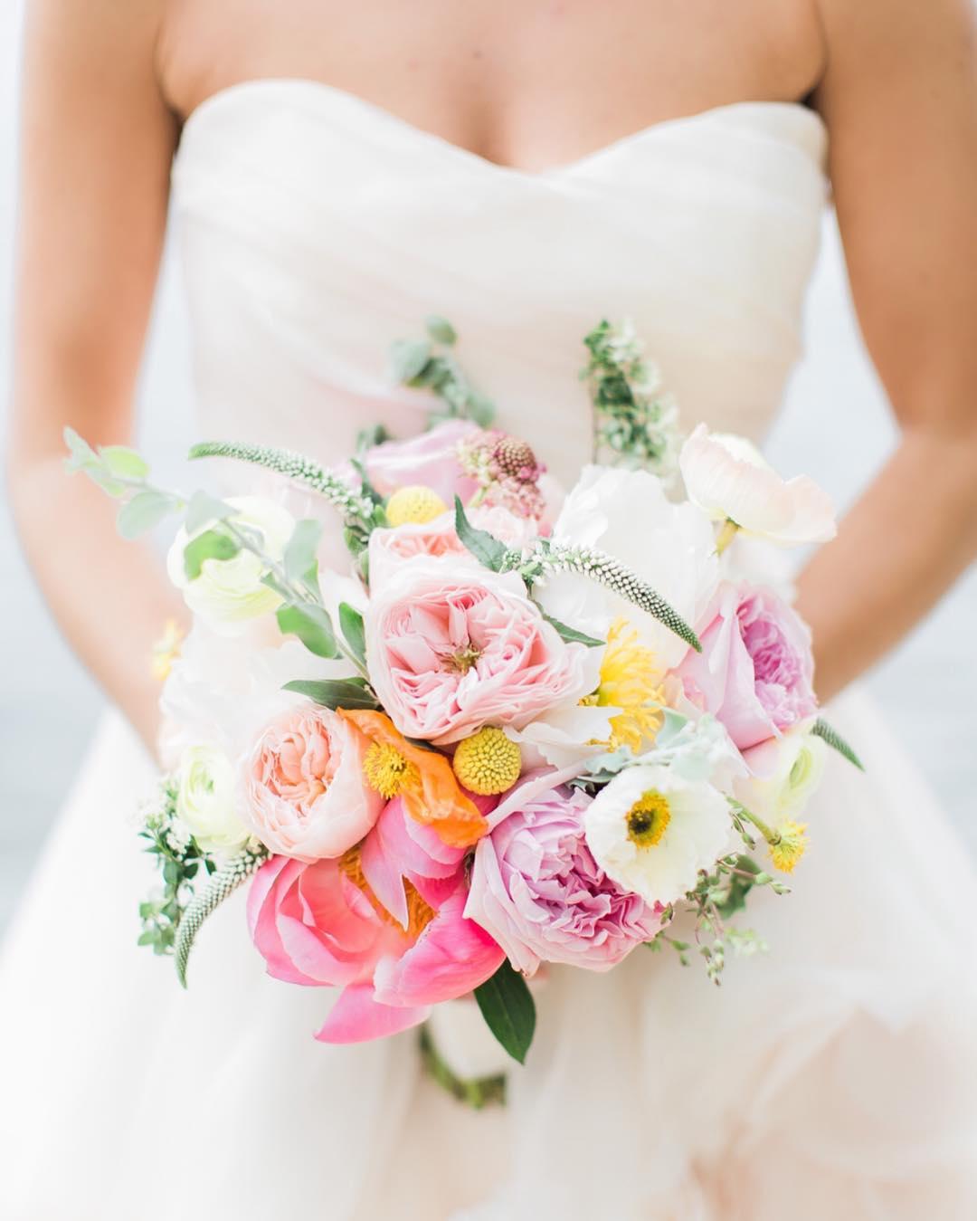 {pretty in pastel} photo | @monpetitstudio . planning/coordination | @nhwedplanner . . #bride #bouquet #weddingday #forever #ido #prettyflowers #weddingflowers #weddingdesign #peonies #poppies #gardenroses #pastels #flowers #lotusfloraldesigns #weddingflorist #nhwedding #love