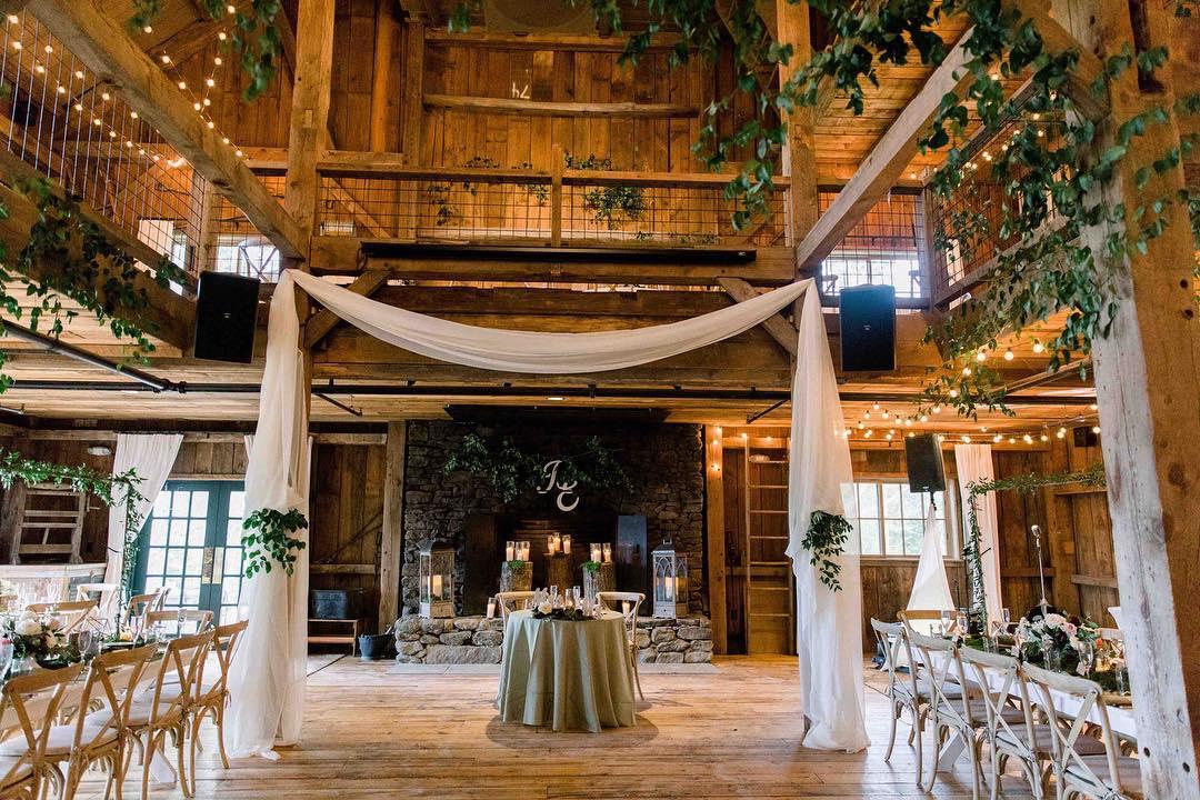 {barn pretty} photo | @kate_preftakes  styling/planning | @nhwedplanner . . #gorgeous #barnwedding #rustic #barndecor #romantic #elegant #greenery #smilax #weddingdesign #pretty #weddingflorals #lotusfloraldesigns #nhwedding #love