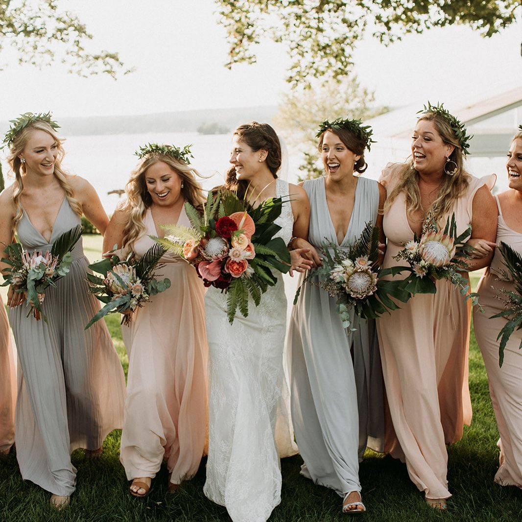 {bride•tribe} photo| @ramblefreehannah  coordination| @eventsbysorrell . . #lovelies #bride #bridesmaids #bohostyle #boho #lakeside #flowercrowns #protea #bouquets #smiles #happiness #love #lotusfloraldesigns #weddingflowers