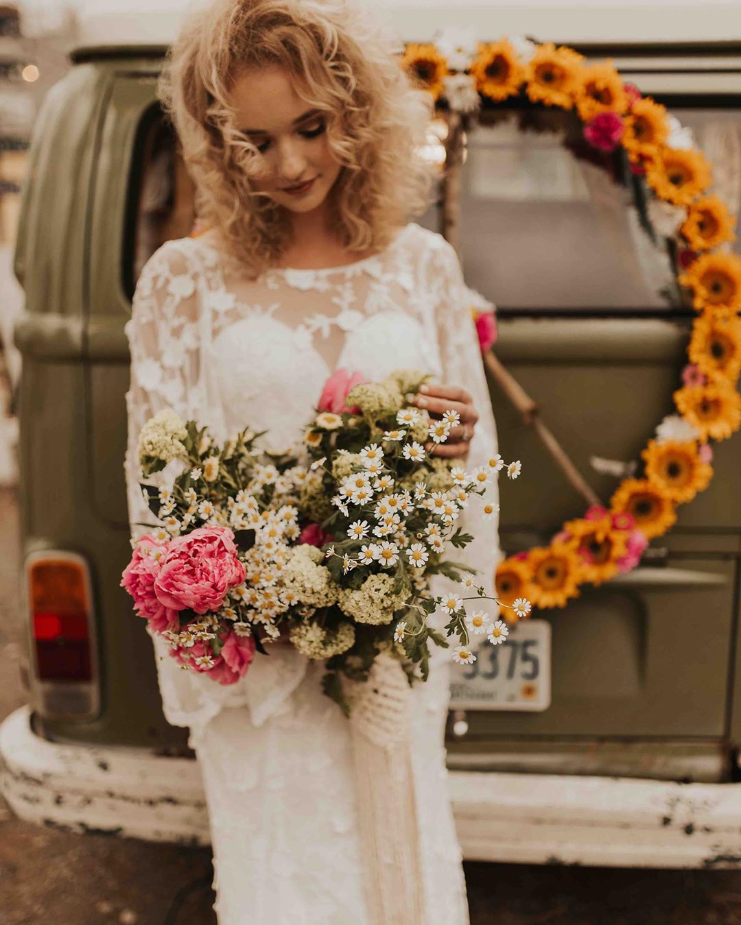 {hippie chic} . . photo | @shelbyrosephoto  planning | @wildandwedplanning  florals | @lotusfloraldesigns  photo bus | @anamericanroadstory  macrame | @rissa.bee  Hair | @colourbycalina  makeup | @skinandbeautybyelizabethmarie  dress | @dreamersandlovers_  model | @miriamstats