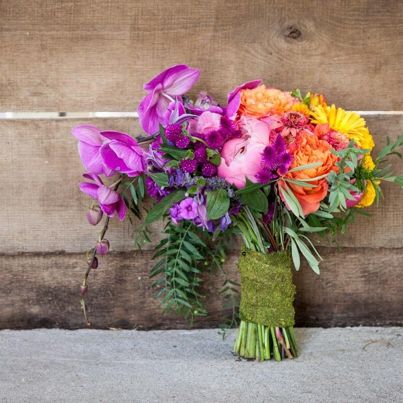 {somewhere over at a wedding @mayfairfarmnh 🌈🌈🌈} . photo | @kendaljbushphoto  planning | @eventsbysorrell . . #rainbow #bouquet #color #wedding #weddingday #bride #accessory #flowers #colorwave #getcreative #weddingdesign #lotusfloraldesigns #weddingflowers #ido