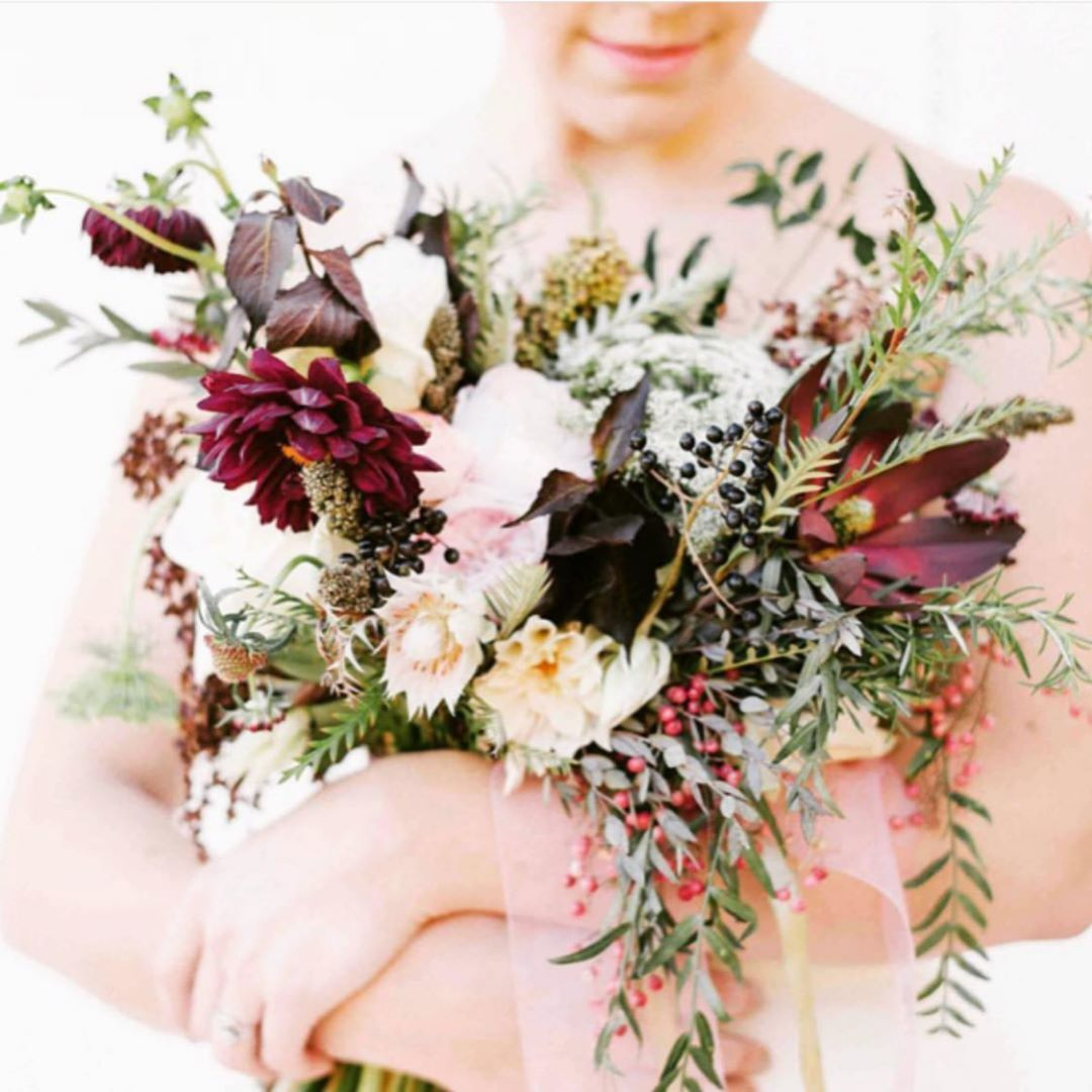 {love•ly} photo | @lindsay_hackney . . #bride #bouquet #lovely #blush #burgundy #rustic #pretty #barnwedding #weddinginspo #weddingdesign #flowers #lotusfloraldesigns #loveflowers #ido