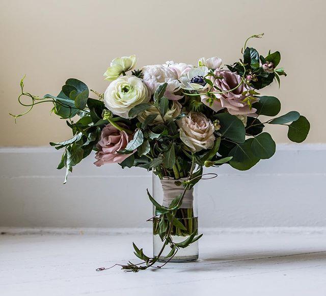 {still•life} photo | @ericmccallister . . #bouquet #brideflowers #stilllife #pretty #accessory #bridebling #naturallight #closeup #weddingflowers #weddingday #nhweddingflorist #lotusfloraldesigns #nhwedding #whitemountains #mountainwedding #love